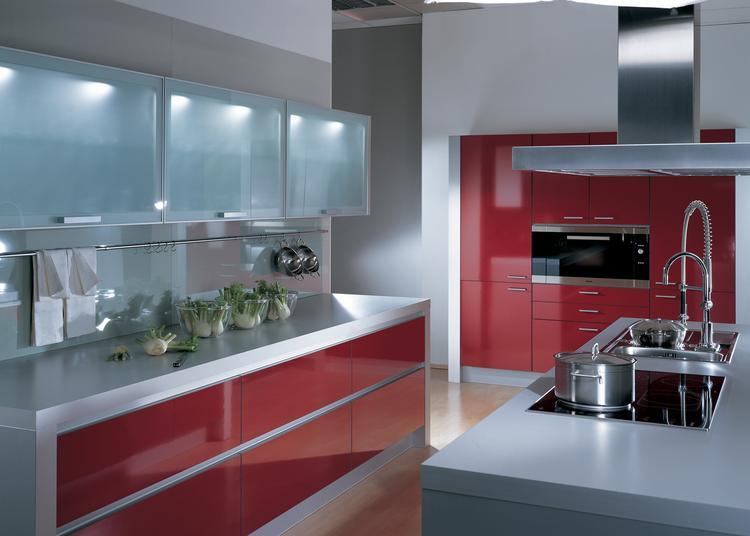 Strakke moderne keuken met composietstenen werkblad van dekker. de ...