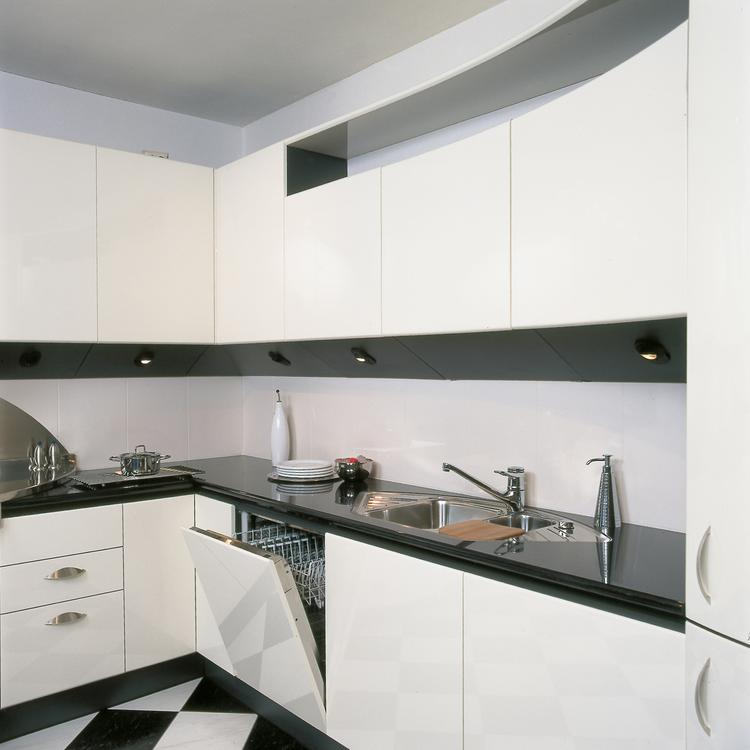 Keuken zwart achterwand - Keuken met granieten werkblad ...