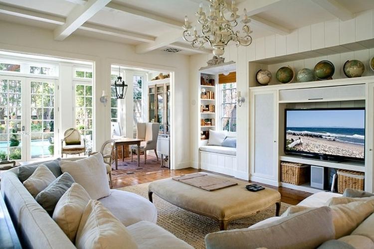 mooie woonkamer, loungebank, ruitjesramen, ingebouwde tv en, Deco ideeën