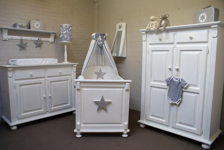 Landelijke Babykamer Meubels : Mooie landelijke babykamer foto geplaatst door martinebijmans op