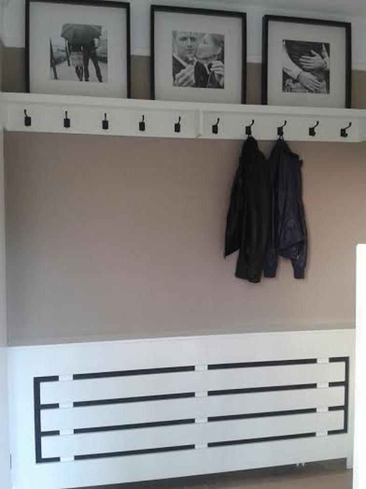 latest kapstok en radiator ombouw grote lijsten komen van with ikea staande kapstok with staande. Black Bedroom Furniture Sets. Home Design Ideas