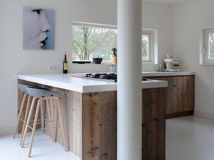 Wit Stoere Keuken : Houten keuken met wit blad foto geplaatst door maura l op welke