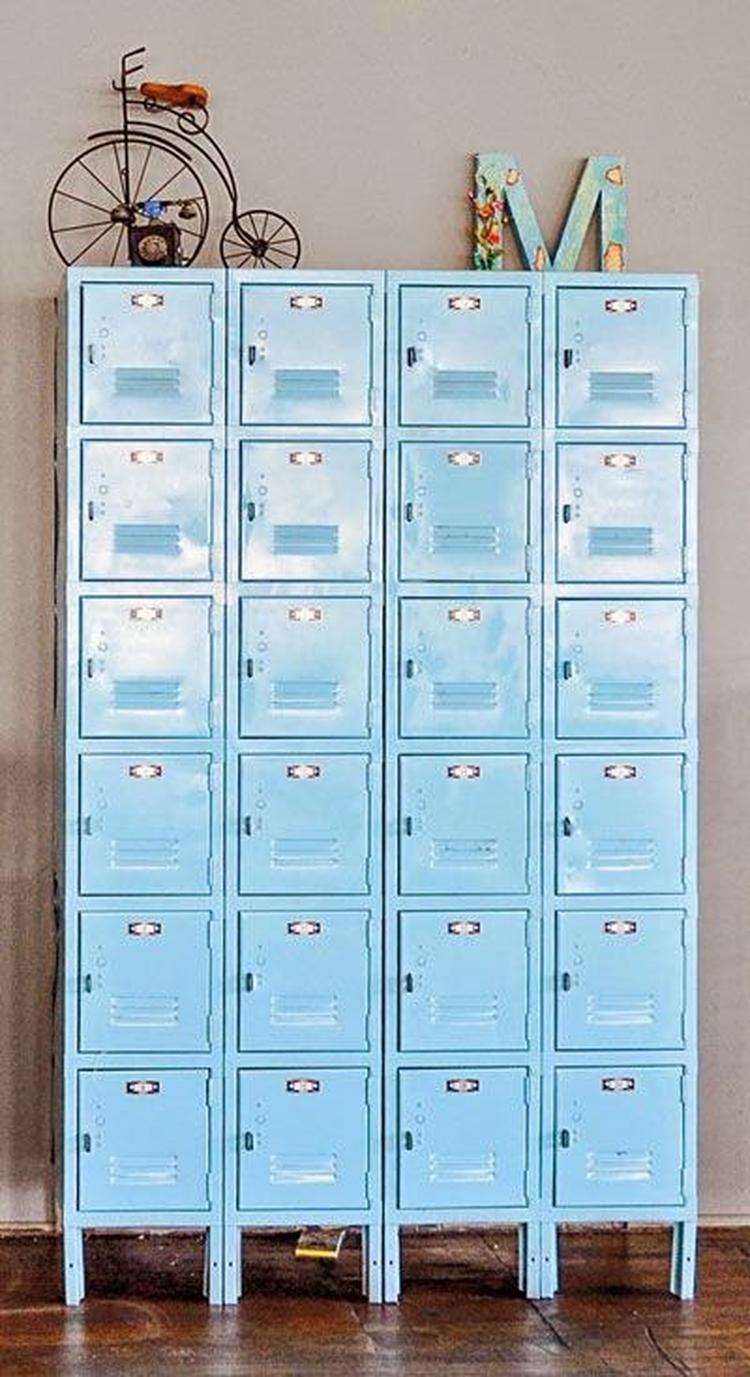 Vrolijke gekleurde industriële lockers - blauw - ladekast ...