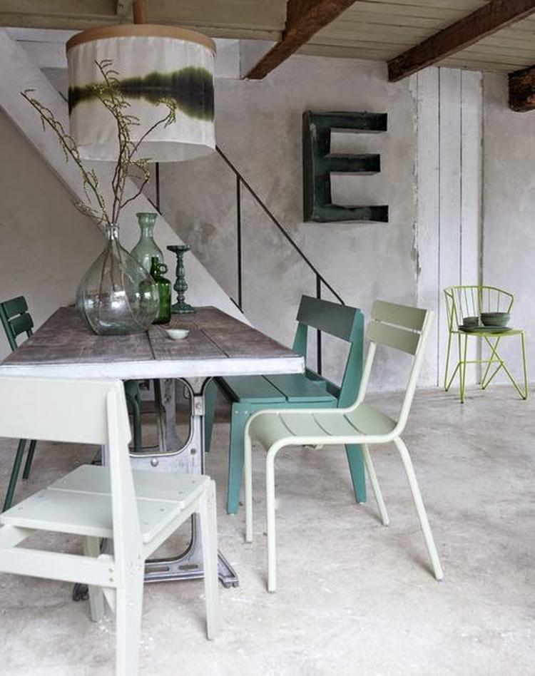 Mintgroen wit industrieel interieur grijs beton. foto geplaatst ...