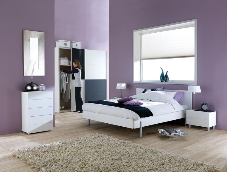 slaapkamer met kleur natuurlijk kun je gewoon kiezen voor kleur bij het inrichten van je slaapkamer hier is bijvoorbeeld gekozen voor paars