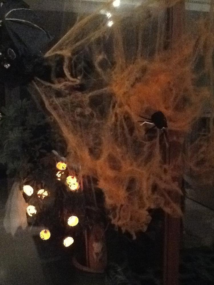Halloween Gebruiken.Halloween Pompoenlichtjes Oranje Web En Spin Gemaakt Van