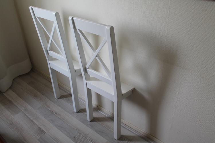 https://cdn2.welke.nl/cache/crop/750/auto/photo/39/67/59/Dresschair-voor-de-slaapkamer-om-snel-kleding-op-te-hangen.1447064406-van-Meubelfit.jpeg