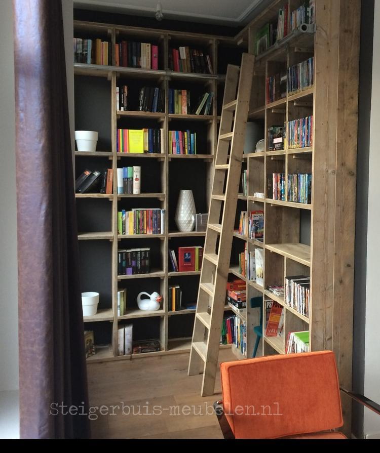 Steigerhout met steigerbuis boekenkast op maat!. Foto geplaatst door ...