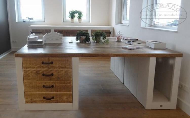 Mooi landelijk bureau van steigerhout dit bureau is op maat