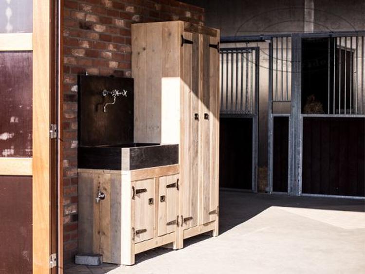 Kast Badkamer Steigerhout : Mooie landelijke wastafel met kast van steigerhout leuk voor in