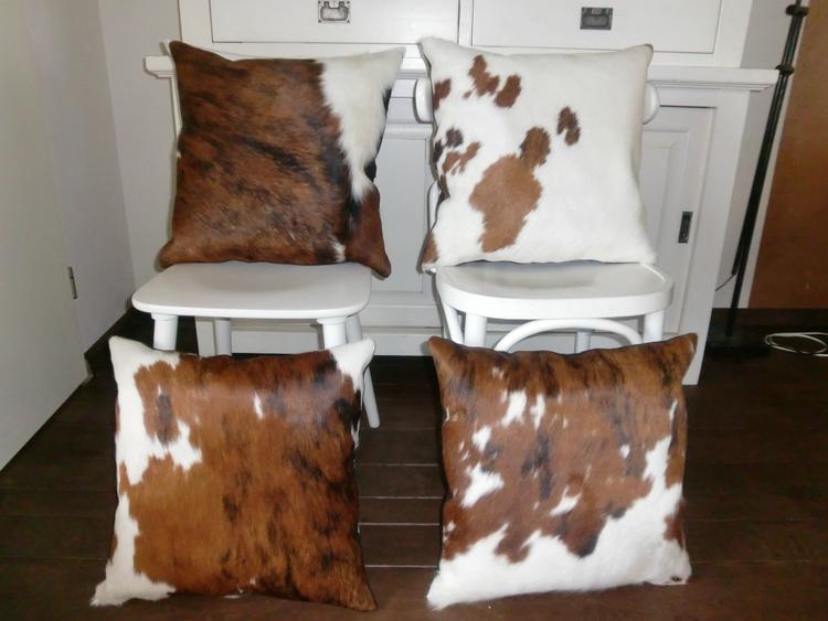 Handgemaakte koeienhuid kussens diverse kleuren en designs te