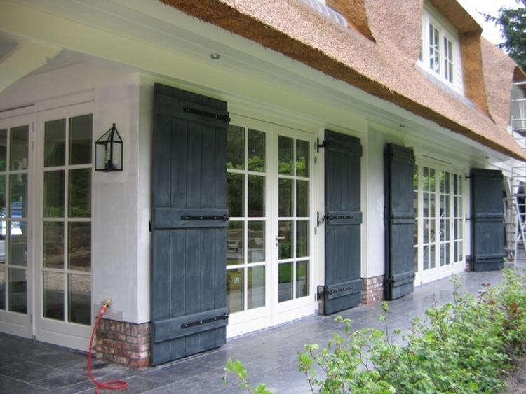 Raamluiken voor vensterbank excellent awesome decoratie for Hangdecoratie raam