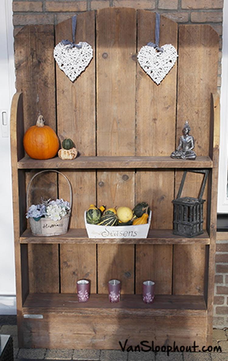 Leuke, brocante boekenkast of tuinkast van sloophout. #boekenkast ...