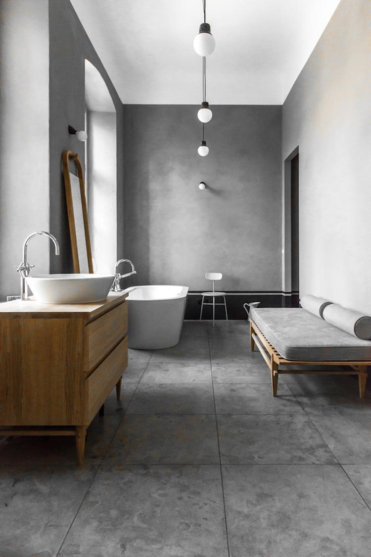 rustige grijze badkamer effect gecreeerd met marmorino matt kleur