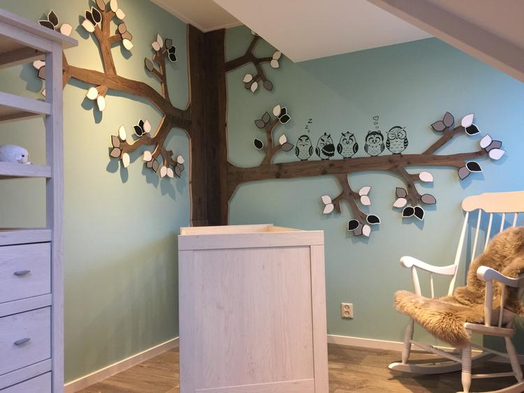 Kinderkamer Houten Boom : Babykamer unisex hout boom uiltjes. . foto geplaatst door