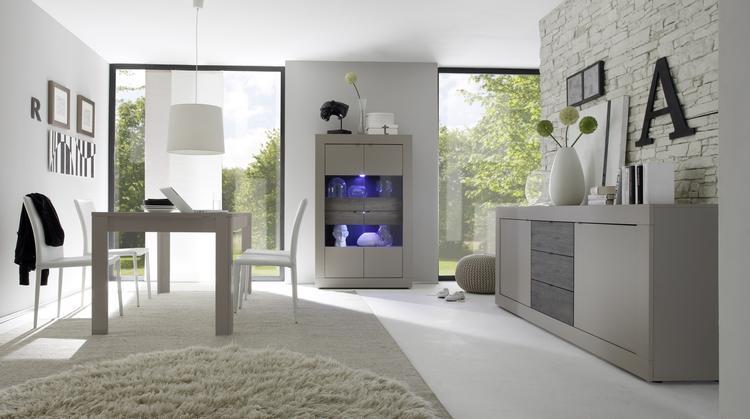 Woonkamer Basic Deze moderne meubels zijn uitgevoerd in de kleur ...