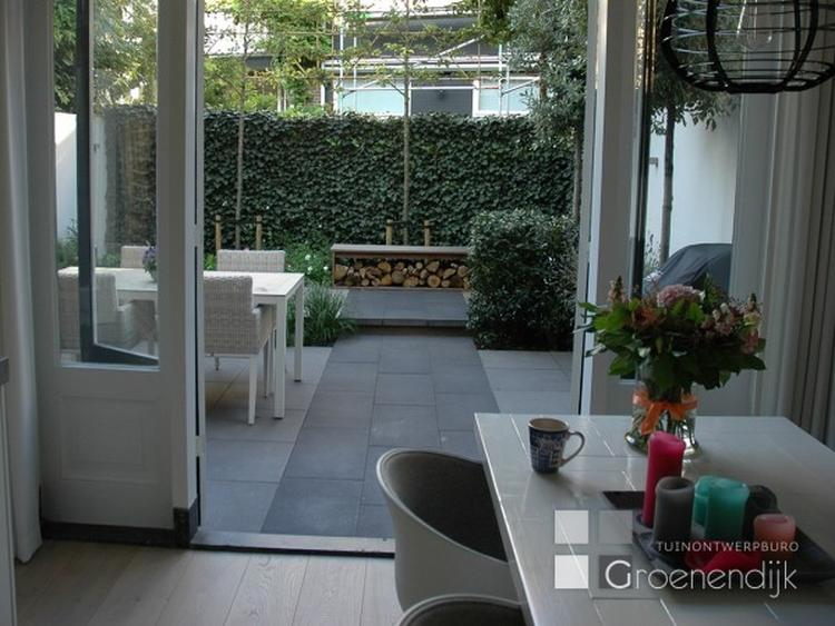 Grijze Tegels Tuin : Tuinloper van grijze stenen. optische vergroting van kleine tuin