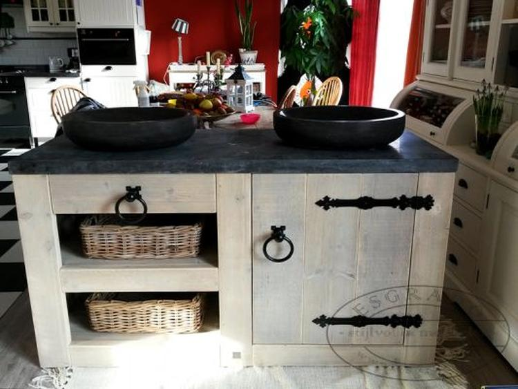 Altijd makkelijk in een grote keuken: een kookeiland. bij esgrado ...