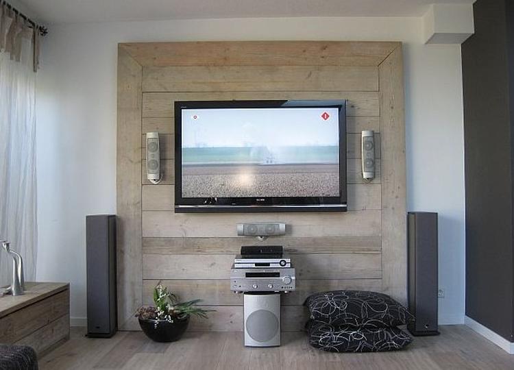 Tv wand van steigerhout. Ziet er stoer uit en geen kabel in het ...