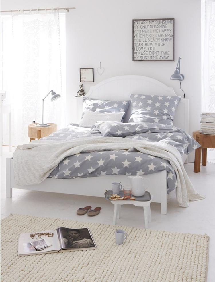 Gezellige slaapkamer in grijs/wit/hout. Foto geplaatst door Tiara op ...