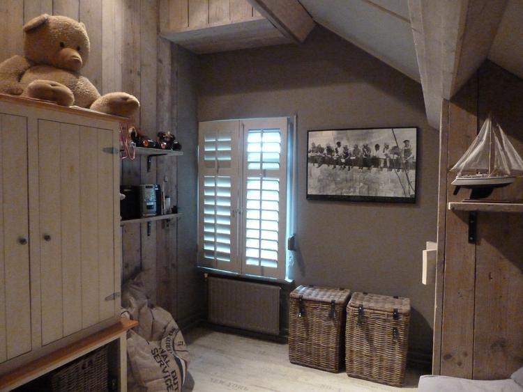 Prachtige met steigerhout gestylde kinder slaapkamer door de ...