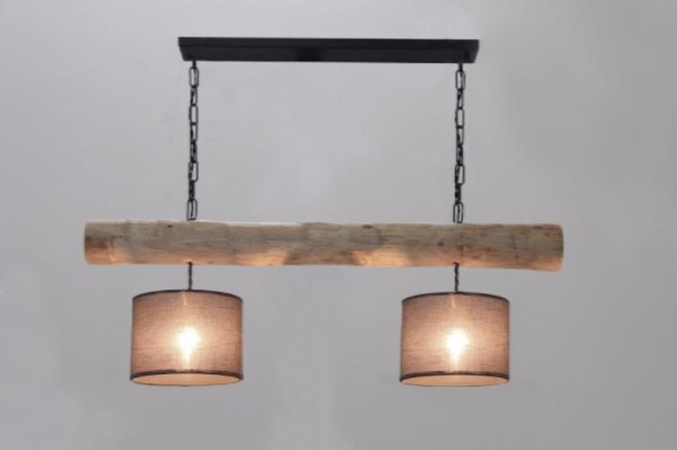 Twee Lampen Ophangen : Houten lamp met lampen kapjes foto geplaatst door webshop