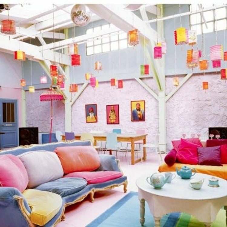 Gekleurde woonkamer... bank is cool!. Foto geplaatst door ANOUKKY op ...