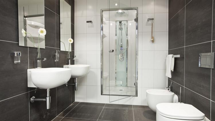 Badkamer met stoomdouche (Engelen Rotterdam). De bekende Italiaanse ...