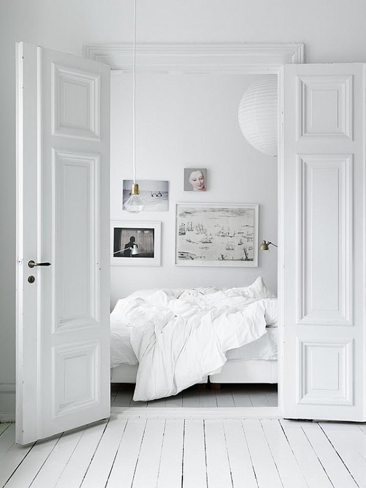 kleine slaapkamer warm in wit. foto geplaatst door leonibonte op, Deco ideeën