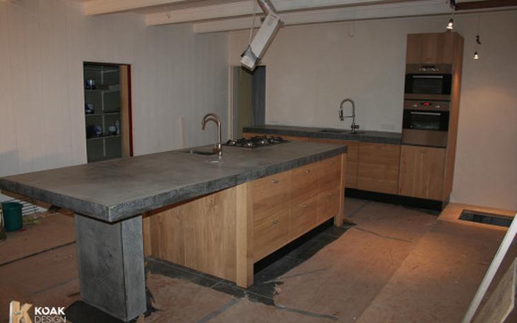 Kastdeuren Van Ikea.Keuken Met Massief Houten Kastdeuren Passend Bij Ikea Keuken Foto