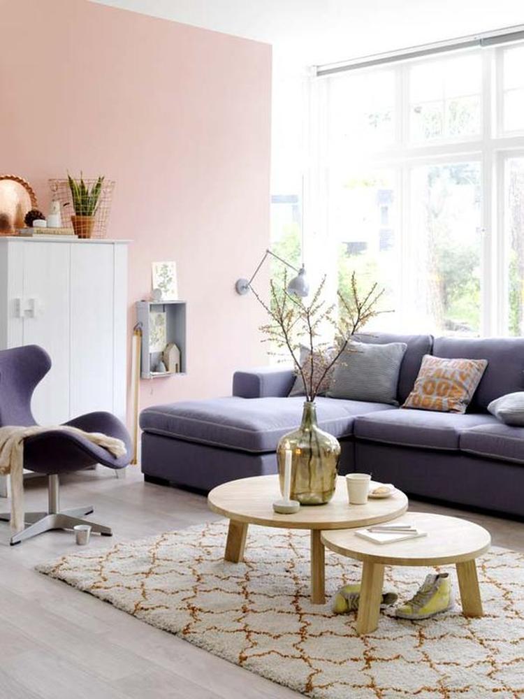 Licht roze is een super trendy kleur voor de woonkamer. Lees meer ...