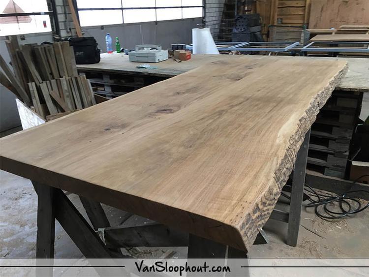 boomstam tafelblad van 22meter dit is in iedere afmeting mogelijk natuurlijke en robuuste tafel voor in je interieur