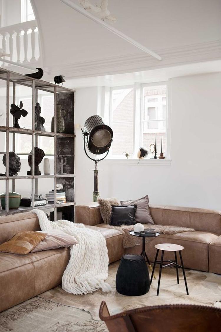 Een Licht Industrieel Interieur. Trendy Industrieel Interieur With ...