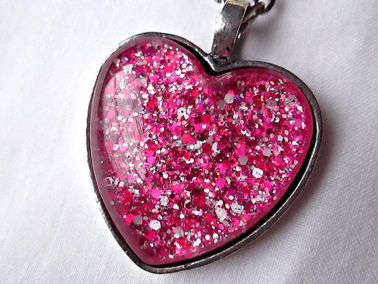 Geliefde Zelf sieraden maken met sieradenhars, glitters en hart hangers &MP37