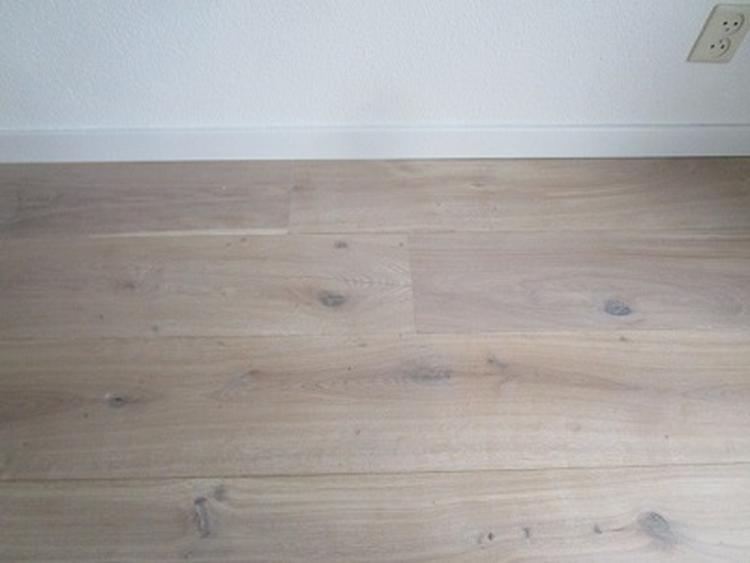 Eiken duoplank of ook wel werkingsvrije houten vloer zwevend