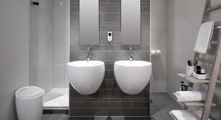 Middelkoop Culemborg / badkamers) Deze showroom badkamer bevat ...