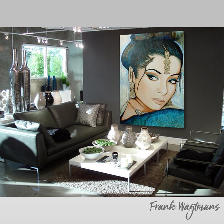 Hier afgebeeld een uniek groot schilderij van een Oosterse vrouw ...