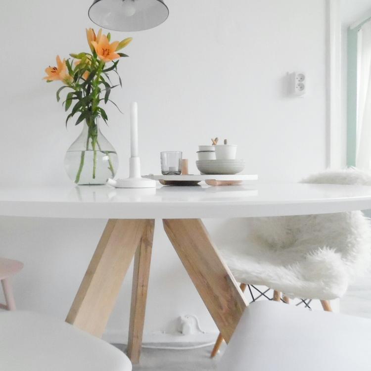 Ronde Houten Tafel Met Witte Poten.Ronde Eettafel Irena 120cm Kleur Wit Deze Ronde