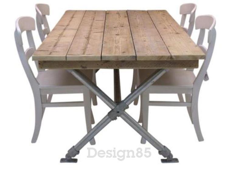 Steigerbuis Tafel Onderstel : Stoere en industriële tafel met steigerbuis onderstel en tafelblad