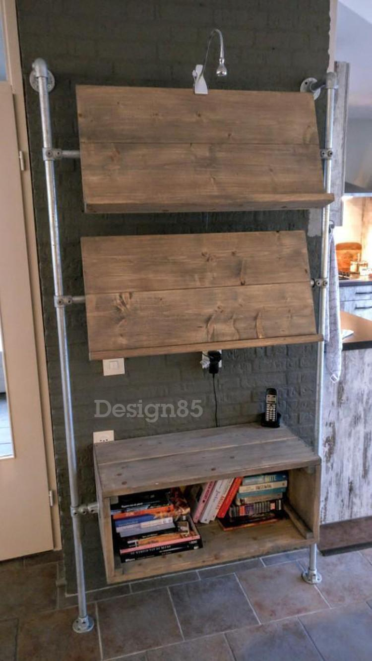 Ideale kast van steigerhout en steigerbuizen voor in de woonkamer ...