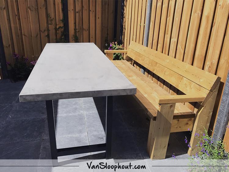 Beton Tafel Buiten : Betonlook tafel voor buiten in je tuin! gecombineerd met een stalen