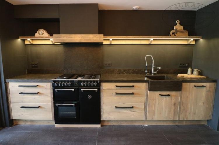 Massief Houten Keuken : Massief houten keuken op maat stoere keuken van steigerhout met
