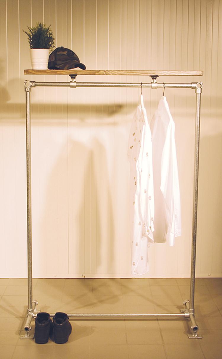 Het steigerbuis kledingrek Retro is een prima aanvulling op je ...