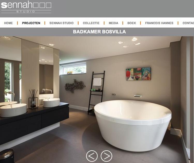 Badkamer - wit bad / grijze tegels. Foto geplaatst door nvb op Welke.nl
