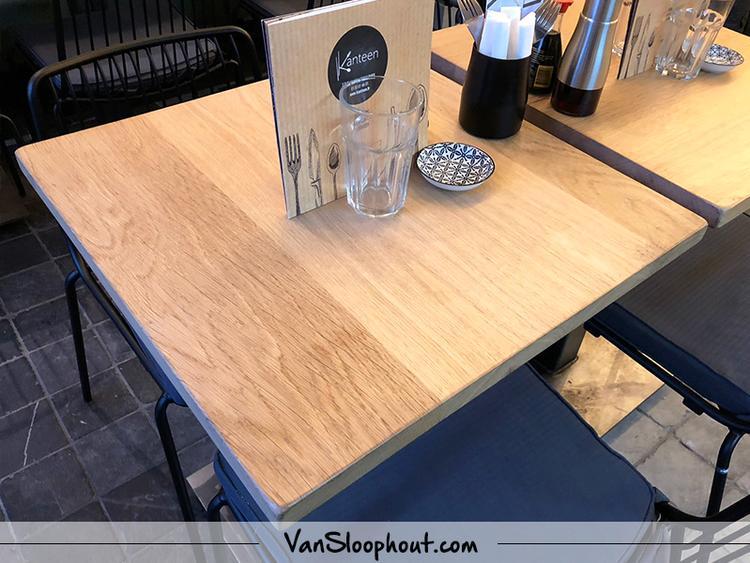 Minimalistisch Interieur Serre : Rustiek eiken horeca tafeltjes simpel en minimalistisch