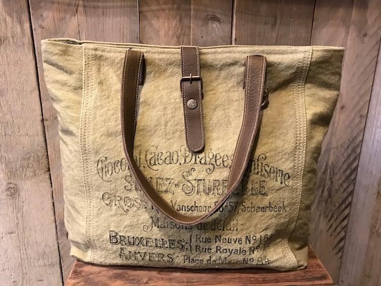 9976d6ce70c Carnvas tas met lederen hengsels van Colmore by Diga pinlake lodge sluit met  rits en drukker Gemaakt van mooi doorleefd canvas ...
