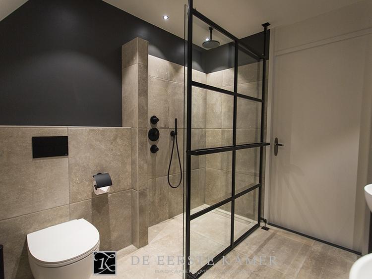 Rustieke Badkamer Kranen : De eerste kamer gaaf voor een industrieel interieur zwarte kranen