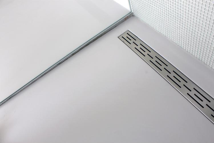 Gietvloer Badkamer Douche : Gietvloer douche afvoer foto geplaatst door motionvloer bv op