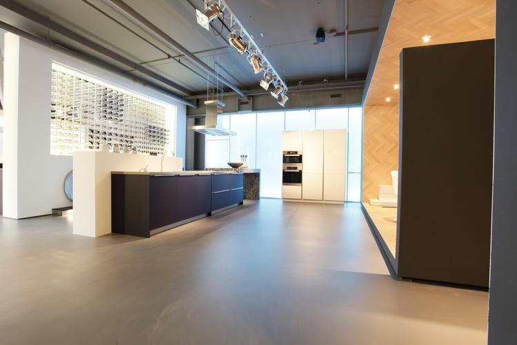 Gietvloer Betonlook Keuken : Betonlook gietvloer in keuken motion mix uitvoering foto