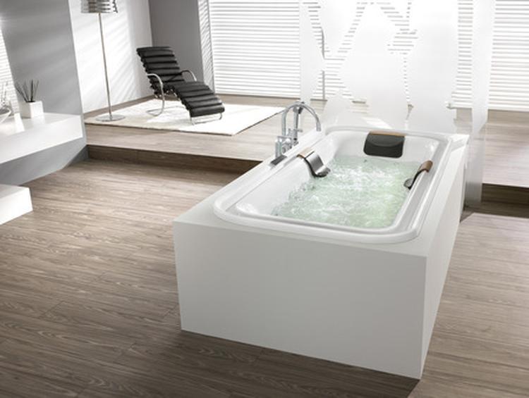 Badkamer houten vloer badkamerrenovatie handgemaakte houten badmeubels kapellen antwerpen - Badkamer houten vloer ...